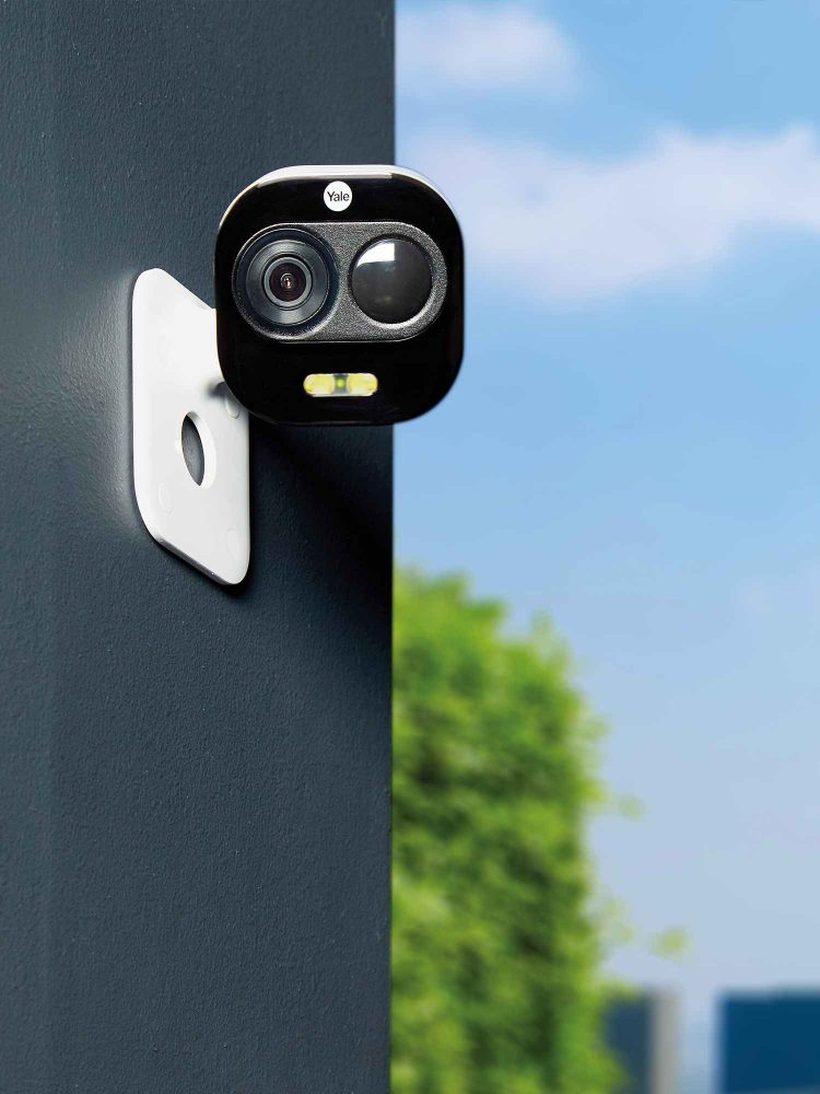 yale outdoor camera